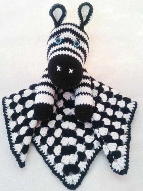 Zebra baby comforter, free crochet pattern, #haken, gratis patroon (Engels), tutteldoekje, zebra, baby, kraamcadeau, #haakpatroon