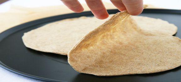Een lekker koolhydraatarm voor- of bijgerecht, tortilla. De tortilla kan gebruikt worden bij het maken van taco's en burrito's.
