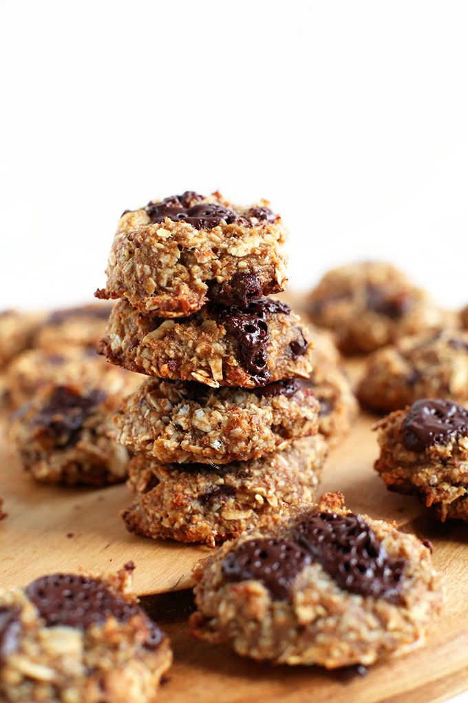 Healthy Vegan Cookies | 5 ingredients, 1 bowl, less than 30 minutes required | MINIMALISTBAKER.COM