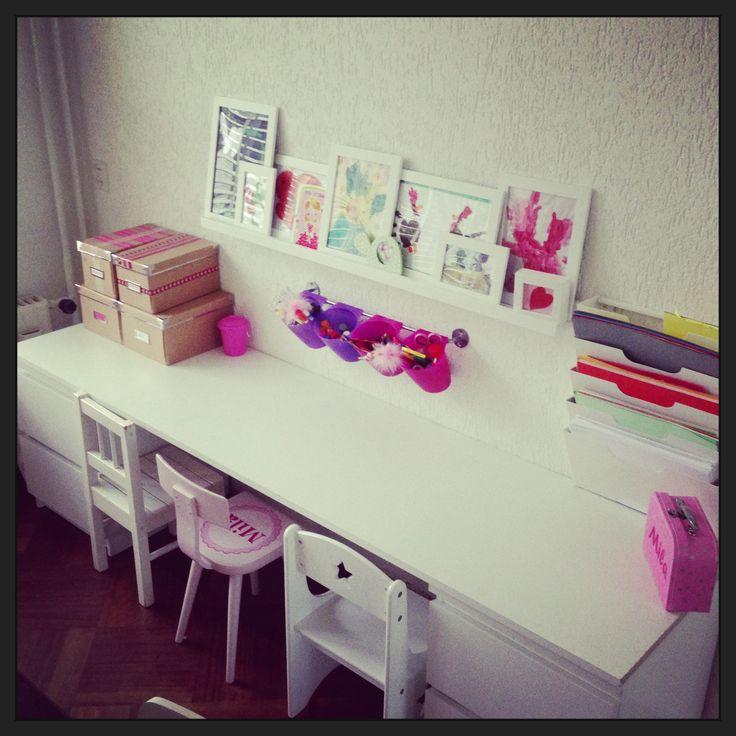 Kids Art corner! #knutselhoek #tekentafel #playroom