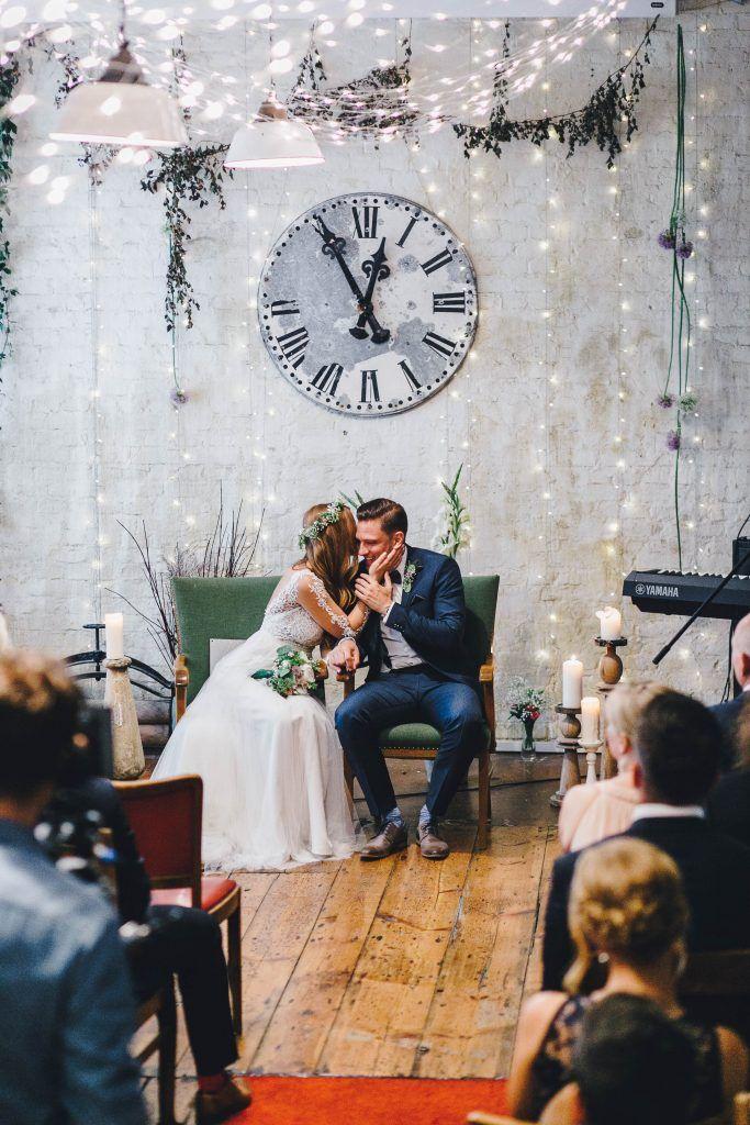 Vintagehochzeit Hochzeit Standesamt Hochzeitsfotografie Berlin Die Gasteliste Wer Kommt Zur Hochzeit No Hochzeitsvideos Hochzeitsfotografie Hochzeit