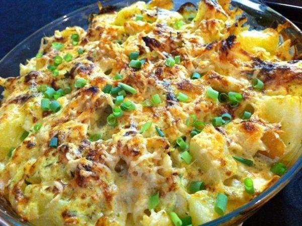 Para quem gosta de queijos, o Bacalhau 7 Mares é a melhor pedida. Ele é fácil de fazer, cremoso e fica uma delícia. Faça para toda a família! Veja Também: