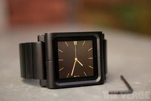 LunaTik Lynk - iPod Nano watch
