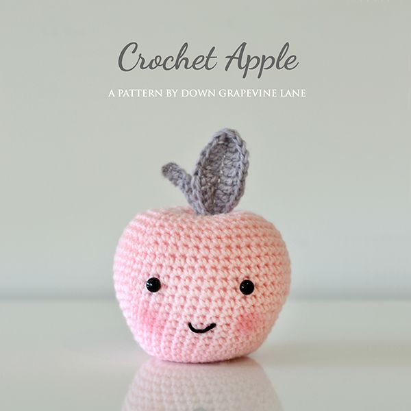Make It: Crochet Apple - Free Pattern #crochet #amigurumi #free #ravelry