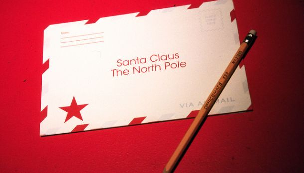 Here's How Your Kid Can Write To Santa Claus And Get A Response From The North Pole