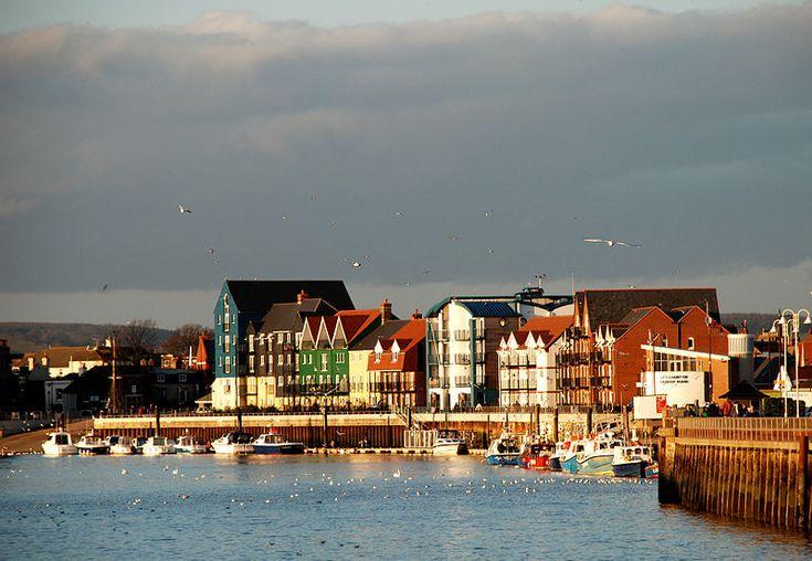 File:Littlehampton Harbour, West Sussex.jpg