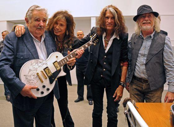 Los rockeros y el presidente Mujica.