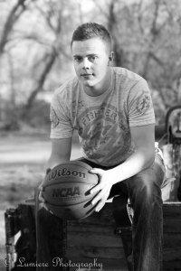 http://lumierephotoco.com/ senior pictures Boy senior pictures / sports pictures / senior / basketball / photography / salt lake city