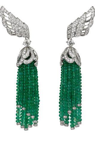 Biennale des Antiquaires 2010 : les coups de cœurs de Vogue.com.  Exquisite earrings of emerald beads and diamonds. (=)