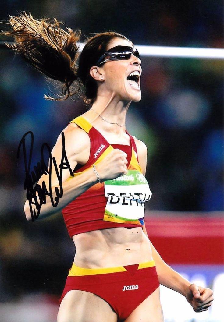 オリンピック陸上女子スペイン代表モデルのユニフォームになります。リオデジャネイロ五輪走り幅跳びで金メダルをとったルート・ベイティア選手のサイン入り写真をお付けします。ユニフォームのサイズはXLです。