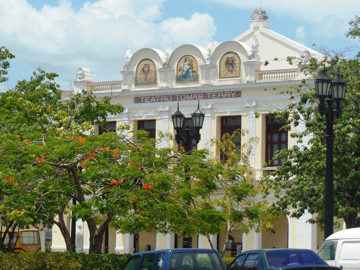Teatro Tomas Terry, across from Parque Marti, is situated in the centre of Cienfuegos. Among the famous people who performed here are Caruso, Sarah Bernhardt, and dancer Anna Pavlova. The theatre is an example of neoclassical architecture and has been beautifully maintained. Photo by Kathryn MacDonald©