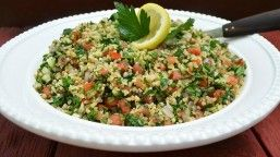 Lübnan mutfağından Türk mutfağına kadar gelen salata çeşidi olan tabule her evde rahatlıkla yapılabilir. #Maximiles #tabule #gurme #gurmeseyahati #food #yemek #yemekler #gurme #seyahatrehberi #lezzetliyemekler #farklılezzetler