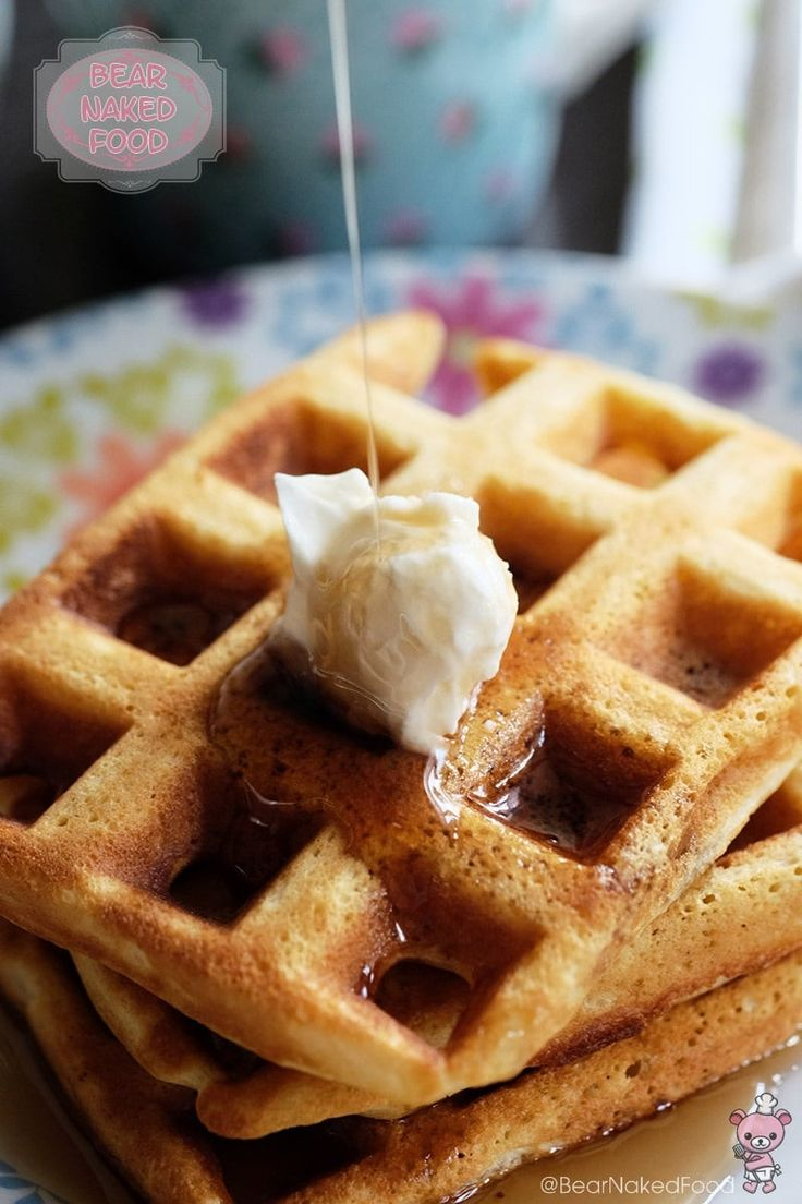 When I came across this Crispy and Light Buttermilk Waffles recipe by The Pioneer Woman, I immediately recognize it is going to be a keeper. The combination of buttermilk, whipped egg whites is totally necessary when it comes to achieving a light and crispy mouthfeel. If you are looking for the dense and chewy kind of waffles, this is not it...
