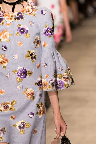 Andrew Gn at Paris Fashion Week Spring 2017 - Details Runway Photos