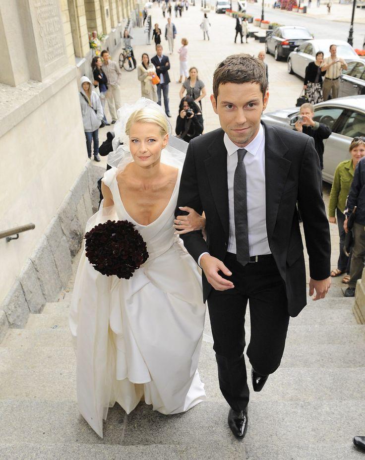Ślubne zdjęcia gwiazd  Małgorzata Kożuchowska i Bartłomiej Wróblewski na ślubie w 2008 roku.