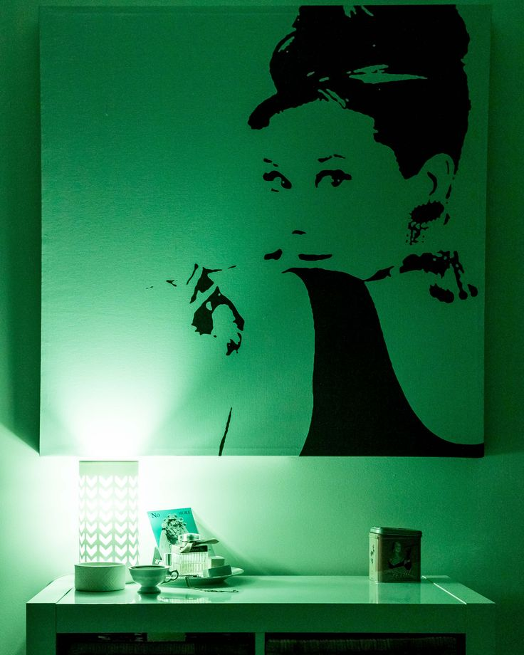 Have a happy green #Christmas with Ms. Audrey Hepburn!