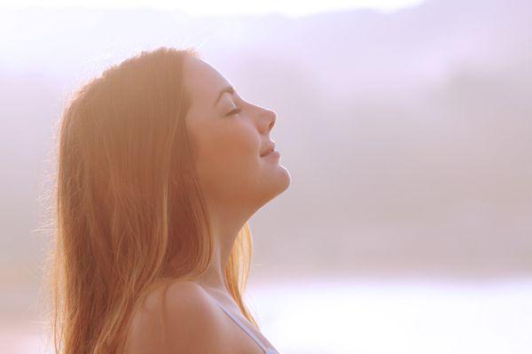 朝にピッタリ!ヨガと同じ効果が得られる、シンプルな「6つの習慣」 | TABI LABO