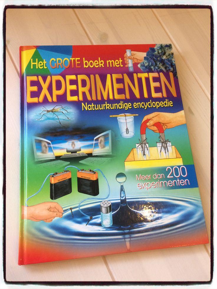 Nog niet klaar met experimenteren? In dit boek staan genoeg proefjes om een hele dag mee te vullen.