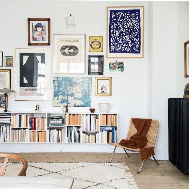 Jag är mitt uppe i en uppdatering av min lägenhet och först ut är att få upp alla fina tavlor jag samlat på mig. Tavelväggar kräver lite genom tanke och för att få inspiration går jag igenom min pinte