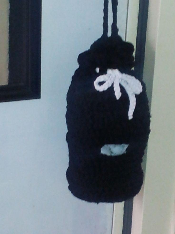 storage space for plastic (crochet)