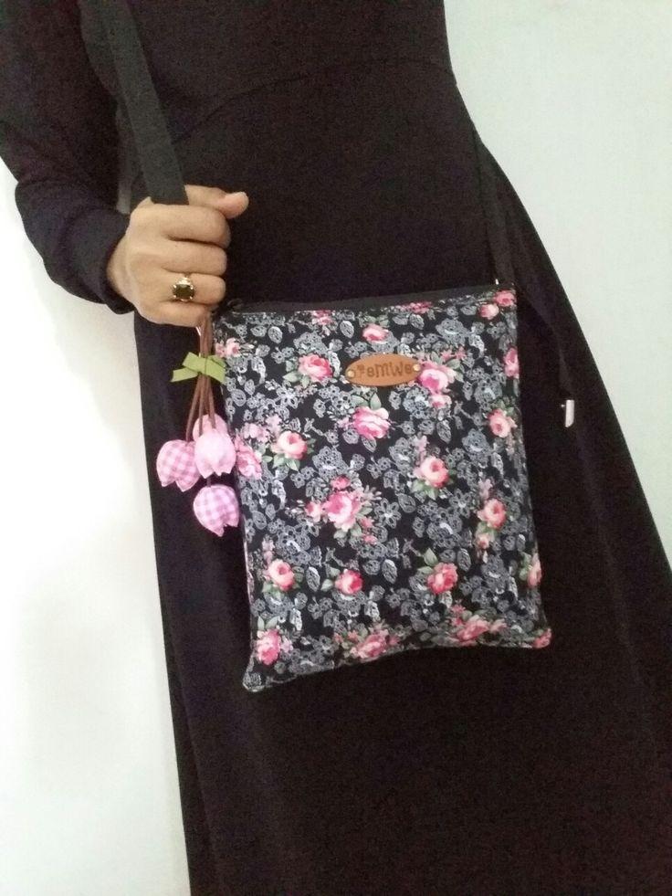 Sling bag by ifah diantaraqta