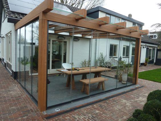 Houten 'Design'-overkapping van Jumbo. Zie voor meer informatie: www.jumbo-overkapping.nl