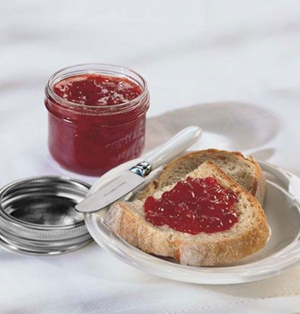 Strawberry Freezer Jam – Liquid Pectin - Liquid Pectin and crushed fruit makes an easy, sweet fruit spread with no cooking required. Store these soft-set spreads in the freezer or refrigerator. Do not decrease sugar; doing so may result in gel failure. For freezer jams with less sugar (higher ratio of fruit to sugar), use Bernardin Freezer Jam Pectin sold in 45 g pouches.