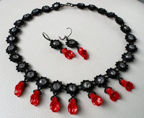 SET Necklace and earrings. Beadwork jewelry Peyote von Mulinka