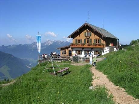 Touren in den Alpen: Die schönsten Hütten, Hochgernhaus