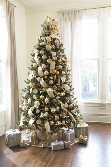 Vermont White Spruce tree decorated with the Silver and Gold Ornament Set