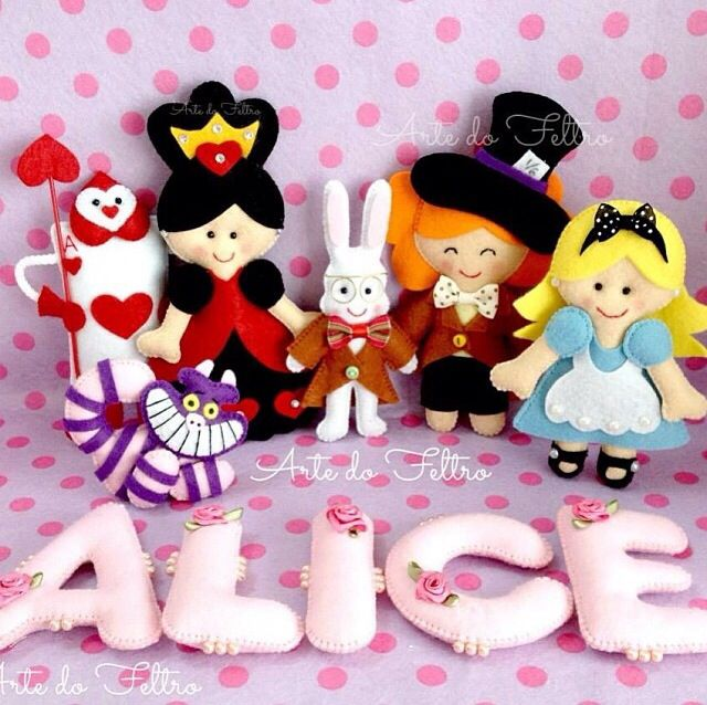 Alice no país da maravilhas- em feltro/Alice in wonderland - felt