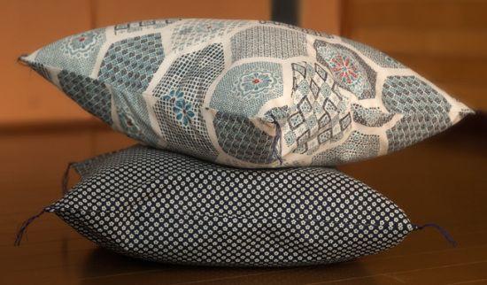 DIY Cushion cover using Japanese fabric.  www.hellosweaterclub.com