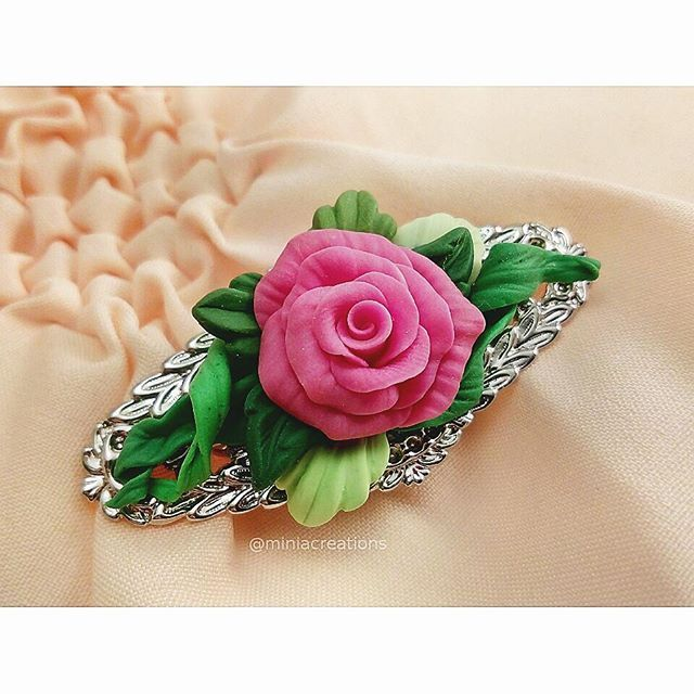 🌸 ° • ° • #jewellery #rose #leaf #polymerclay #handmade #faux #flower #lace #pink #purple #white #green #bright #roses #flowers #polymer #clay #charm #pin #delicate #petals #sculpture #fimo #sculpey #cute #charming #brooch #leaves #jewelry