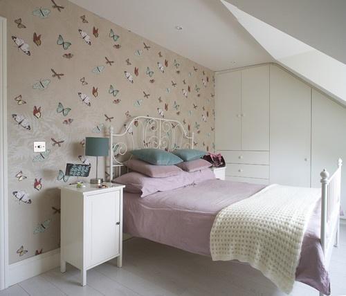 Pretty Girls Bedroom Butterfly Wallpaper