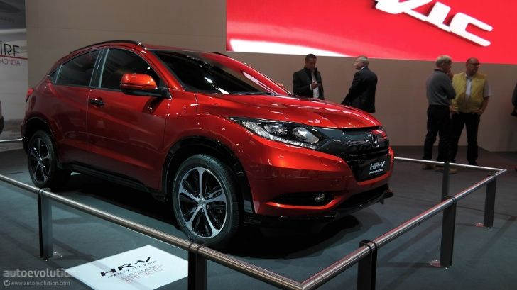 2015 Honda HR-V Is Compact and Stylish at Paris 2014 Debut [Live Photos] http://www.autoevolution.com/news/2015-honda-hr-v-is-compact-and-stylish-at-paris-2014-debut-live-photos-87304.html
