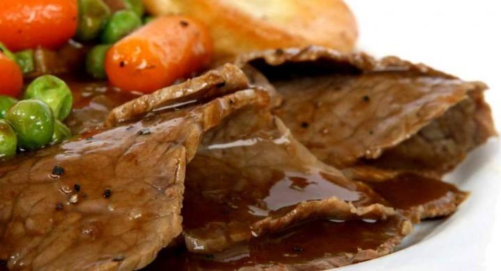 Ένα πιάτο με την υπογραφή του Βαγγέλη Δρίσκα που θα σας κάνει να γλείφετε τα δάχτυλά σας! Ετοιμάστε μοσχαράκι με λαχανικά, πατάτες και κόκκινο κρασί και που θα δώσει άλλο αέρα...
