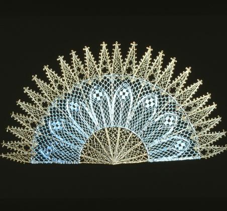 Lenka Suchanek--Fan; bobbin lace in silver and gold plated wire.