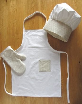 Set cuisine pour des petits chefs, tablier, toque de cuisinier et gants enfant coton en beige et blanc  : Jeux, jouets par jane-lost-in-ideas