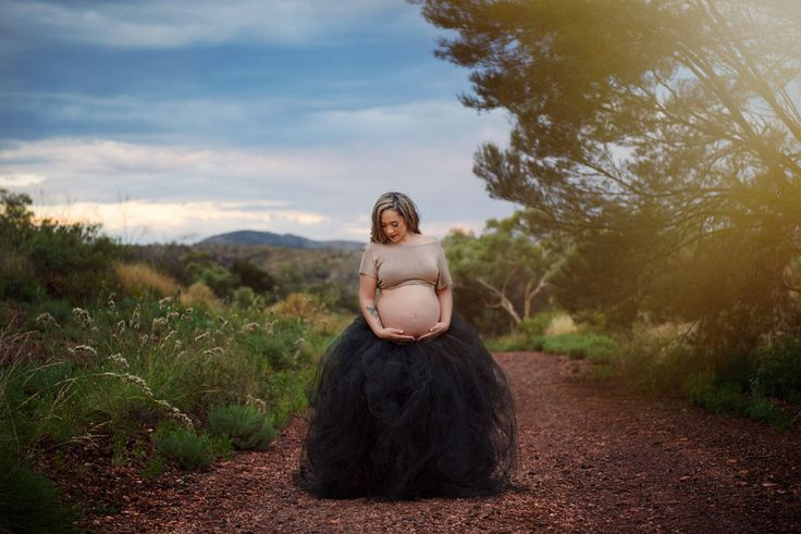 Maternity Photos on Red Dirt Road by Felicity Ford Photography - Tom Price WA