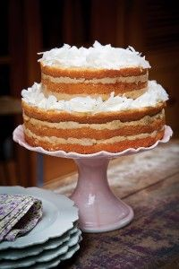 Naked cake de abacaxi com côco