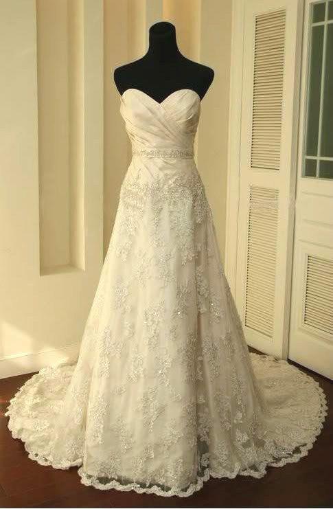 Fantastic Vintage A-line Sweetheart Neckline Court Train Lace Wedding Dress