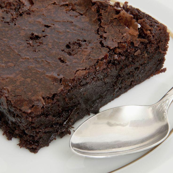 Découvrez la recette Gâteau minute au chocolat sur cuisineactuelle.fr.
