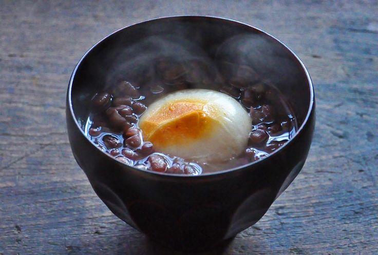 いちばん丁寧な和食レシピサイト、白ごはん.comの『ぜんざいの作り方(小豆の煮方)』を紹介する和食レシピページです。小豆の詳しい煮方からはじまって、甘みの付け方まで、おいしいぜんざいの作り方を詳しい写真付きで紹介しています。(どちらかというと上品な甘みのぜんざいです)