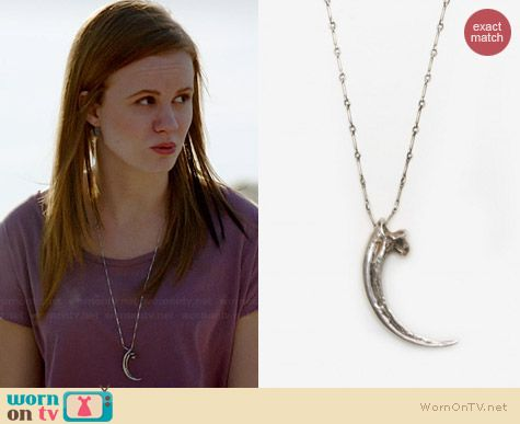 Norrie's claw necklace on Under the Dome.  Outfit Details: http://wornontv.net/35809/ #UndertheDome