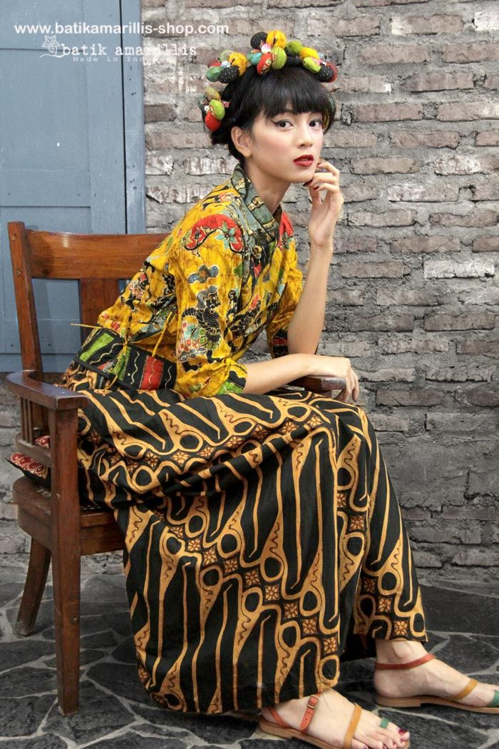 batik amarillis's joyluck jacket in handrawn batik wonogiren wayang /shadow puppet series Ethnic inspired outfit to bring you Joy & Luck.. beautiful reinvention of classic Qipao with exquisite detailing such as color combos,handmade chinese frog button,fittingly beautiful & it provides the ideal combination of