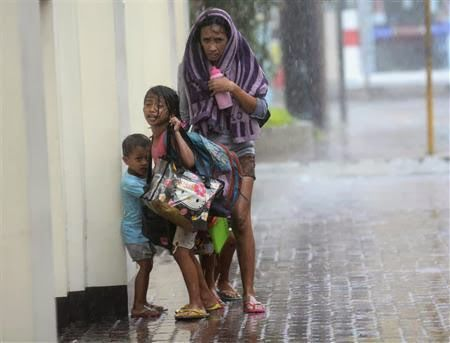 Super typhoon Haiyan to hit central Vietnam They need the help of every person http://visa2vietnam.blogspot.com/2013/11/super-typhoon-haiyan-to-hit-central.html