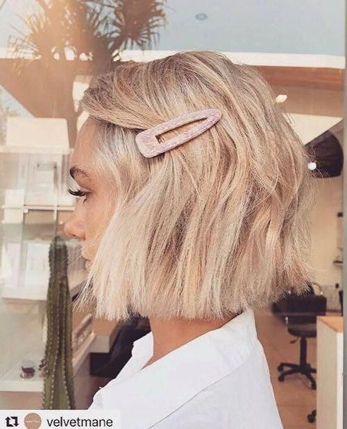 short-hairstyless.com-Blunt Cut Bob Hairstyle #shortbobwithbangs #shortbobhairstyles