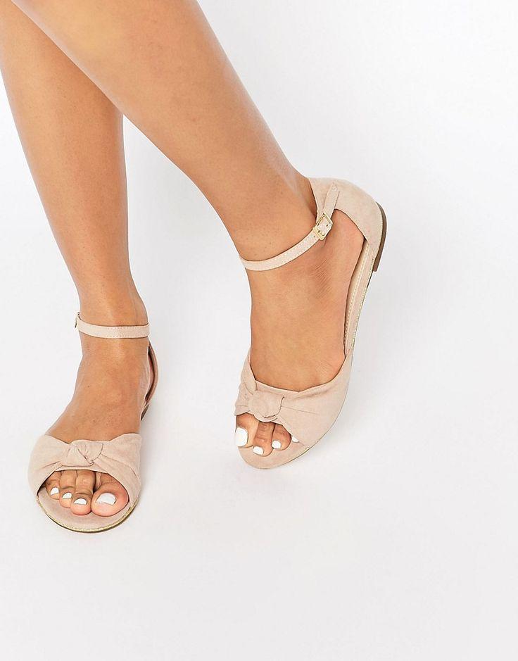 Bild 1 von ASOS – FIGURE – Zweiteilige, flache Sandalen mit Knotendesign                                                                                                                                                                                 Mehr