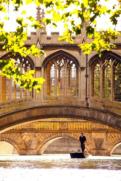 Punter and Bridge of Sighs, St John's College - Cambridge University