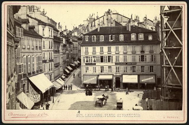 Place Saint-François - Vue sur magasins Bonnard (ancien Bon Génie) Lausanne